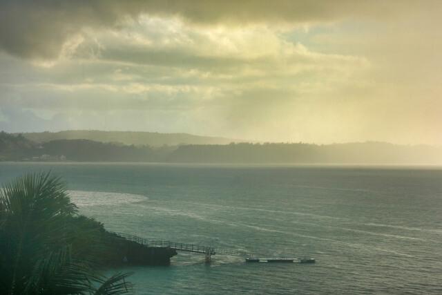 雨の日の海岸